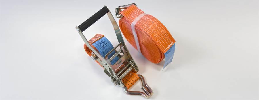 Spanngurte müssen zur Sicherung der Ladung eingesetzt werden
